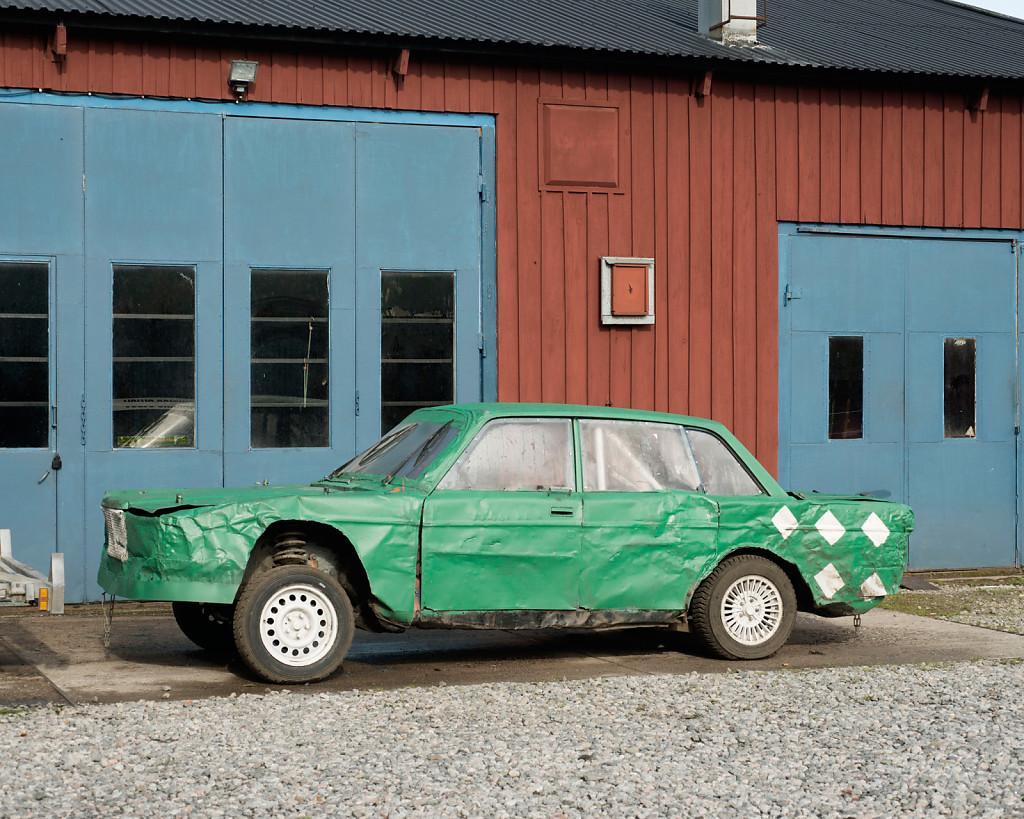 Untitled (Volvo), 92 x 110 cm, 2015
