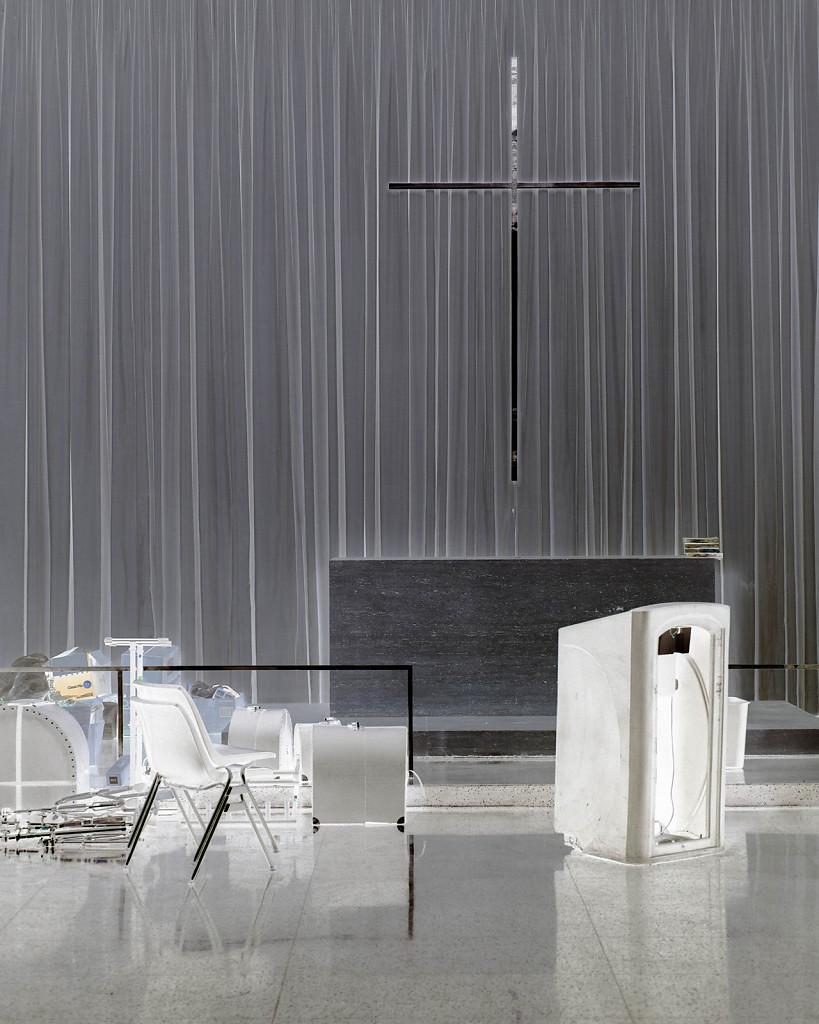 Mies, Carr Chapel, Interior, 2015, 110x92cm